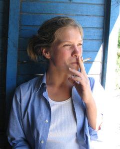 Sabrina_smoking01